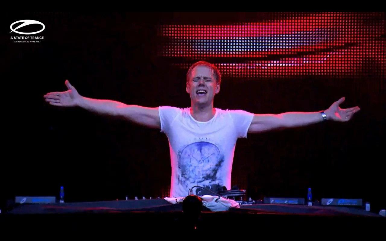 Armin van Buuren desvela el himno oficial del ASOT 800